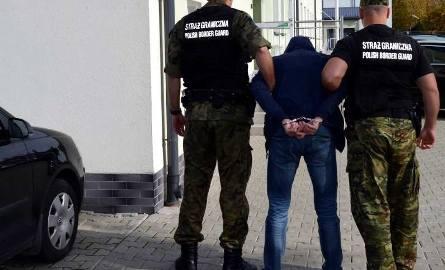Funkcjonariusze Straży Granicznej zatrzymali trzech mężczyzn, którzy zajmowali się przemytem do Polski Ukraińców
