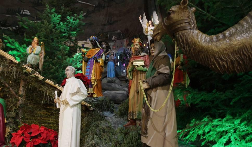 Film do artykułu: Szopka w Panewnikach jest czynna. Kiedy można zwiedzać ponad 100 figur w Panewnikach. Zobaczcie monumentalny żłóbek ZDJĘCIA