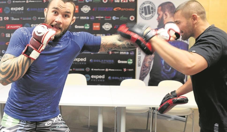"""Film do artykułu: Materla vs. Khalidov na KSW 33. """"Kibice oczekują prawdziwego MMA i tak będzie"""""""