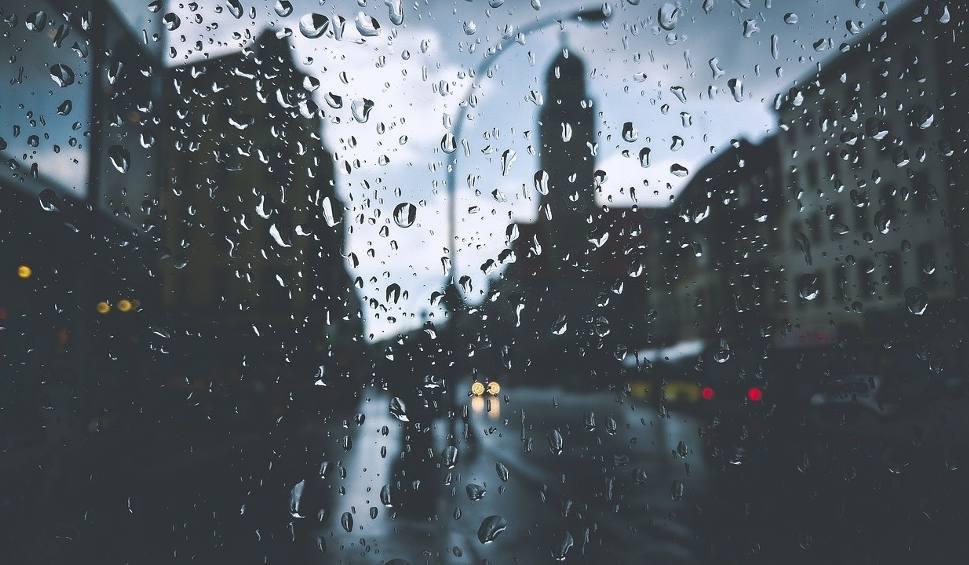 Film do artykułu: Załamanie pogody w Lubuskiem. Nadchodzą ulewy, będzie silnie wiało. Wszystkiemu winne arktyczne powietrze