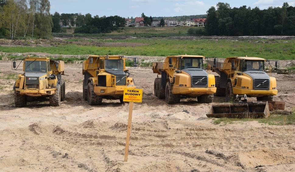 Film do artykułu: Prace przy odmulaniu zalewu w Suchedniowie ruszyły z kopyta