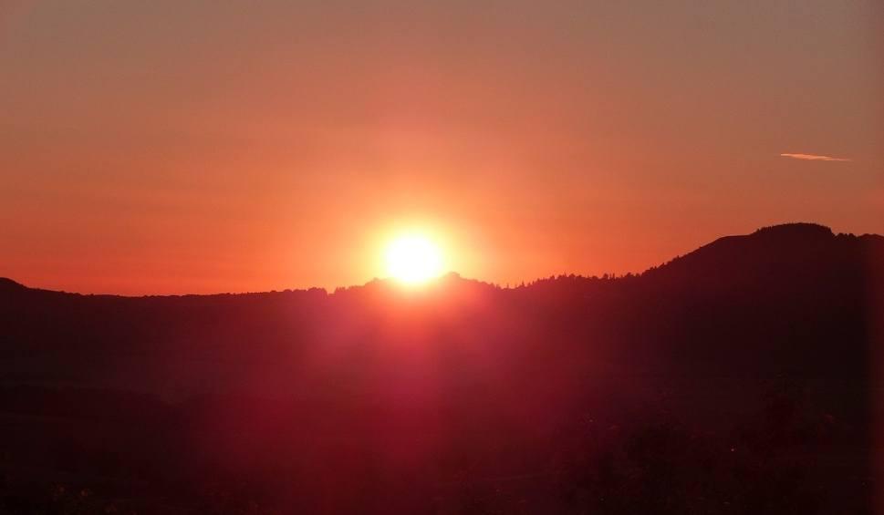 Film do artykułu: Najdłuższy dzień roku 2018: Przesilenie letnie. Kiedy wypada i ile trwa? Sprawdź