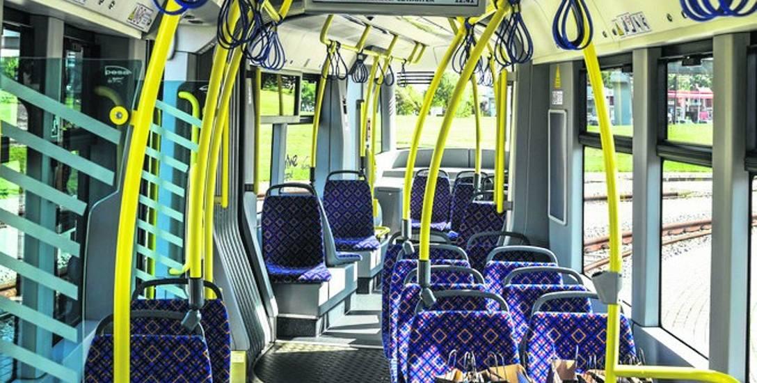 W nowoczesnych tramwajach oraz autobusach, obsługiwanych przez MZK, są już siedzenia z tapicerki, zwykle gruntownie czyści się je dwa razy w roku