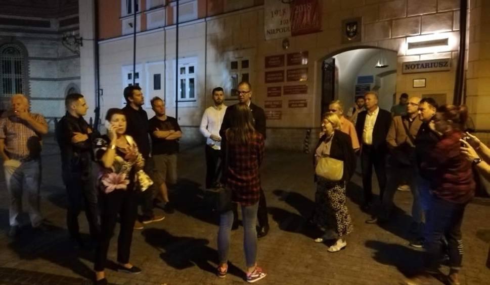 Film do artykułu: Wybory w Przemyślu. Poseł Bakun zawiadomił policję o możliwości popełnienia przestępstwa w związku z rejestracją list kandydatów PiS
