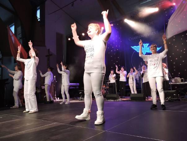 Ostrołęckie Spotkanie Charyzmatyczne: zabawa taneczna [ZDJĘCIA+WIDEO]