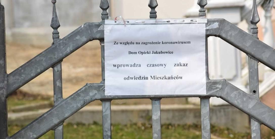 Dom Opieki w Jakubowicach późno wstrzymał przyjęcia. Niektórzy twierdzą, że zbyt późno.