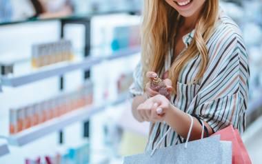 Perfumy damskie - co kupisz taniej na Black Friday 2020. Jaki zapach wybrać?