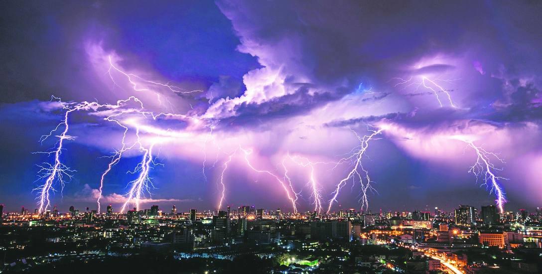 Łowcy burz fascynują się zjawiskami meteorologicznymi, ale swoją wiedzę wykorzystują do                                   edukowania społeczeństwa i