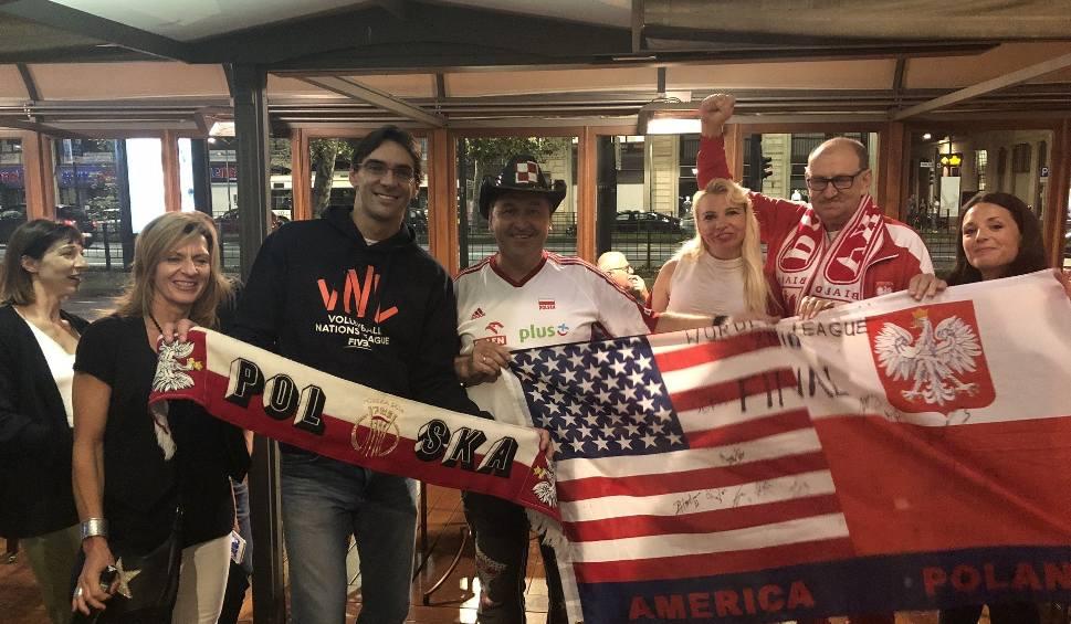 Film do artykułu: Polacy mieszkający w kilku krajach Europy i w USA dopingowali w Warnie i Turynie polskich siatkarzy, by zostali kolejny raz mistrzami świata
