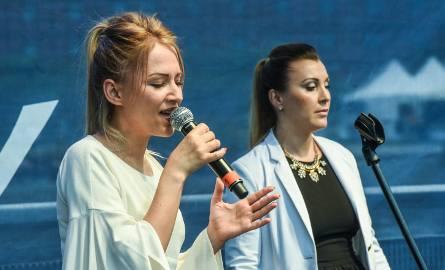 Podczas dzisiejszej Rzeki Muzyki wystąpiła Magdalena Cichocka z zespołem w składzie m.in. z bydgoskim perkusistą. Zaprezentowała największe przeboje