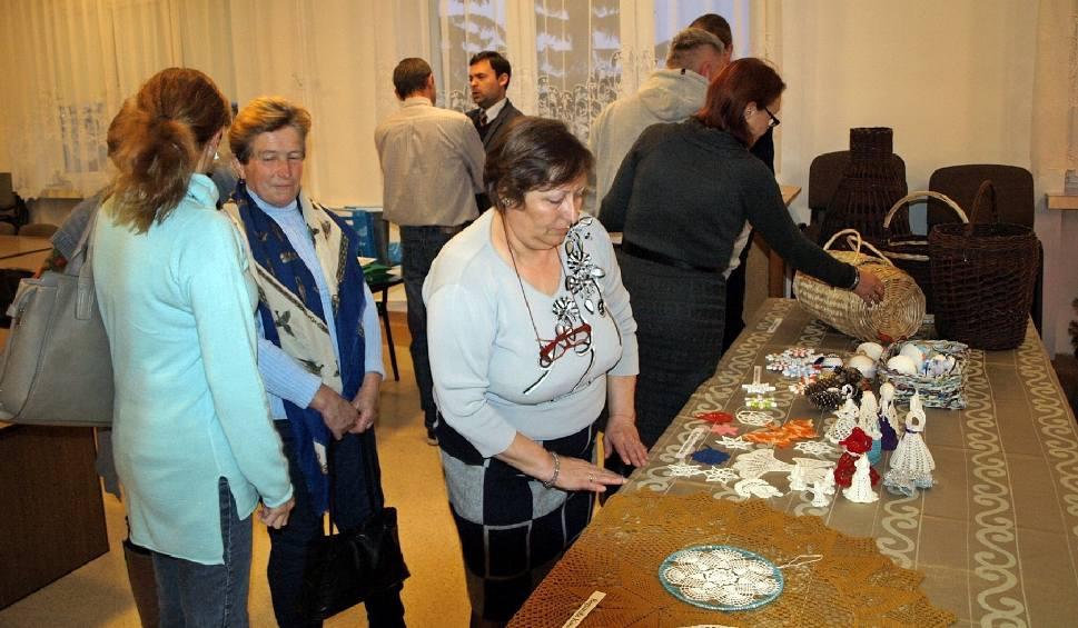 Film do artykułu: II Wystawa Twórców Ziemi Gniewoszowskiej. To pokaz dorobku gniewoszowskich twórców