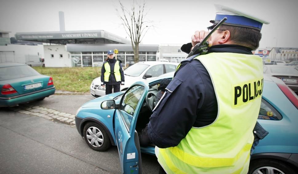Film do artykułu: Masz taki samochód? Czekają Cię spore kłopoty! Kierowcy masowo tracą dowody rejestracyjne [15.10.2019]