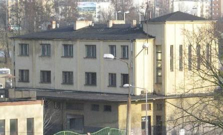 Zaprojektowany przez Zbigniewa Wahla toruński dworzec autobusowy był prawdziwym rarytasem. Został zburzony w 2008 roku. W jego miejscu, w środku miasta,
