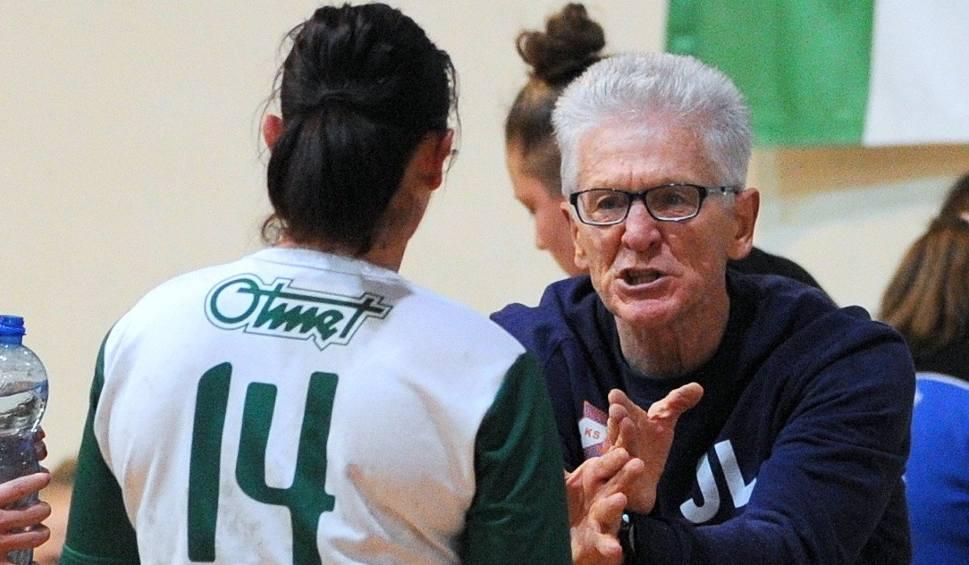 Film do artykułu: 1 liga piłki ręcznej kobiet. Jedna jaskółka wiosny nie czyni, ale dla Otmętu Krapkowice pojawiło się światełko w tunelu