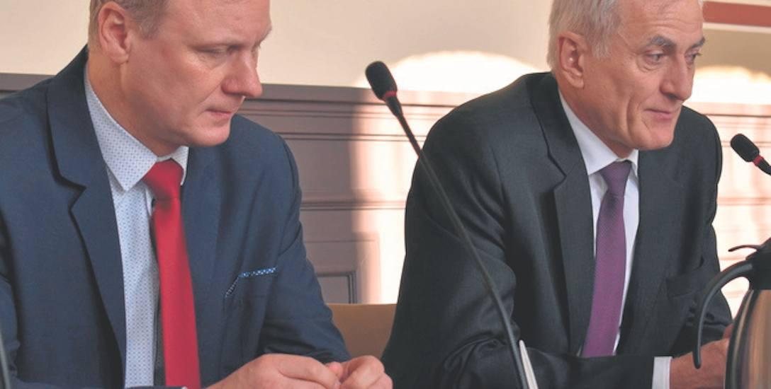 Prezes Tadeusz Grabski (z prawej) oraz starosta Mirosław Glaz znów prosili radnych z Gubina o wsparcie finansowe dla szpitala.