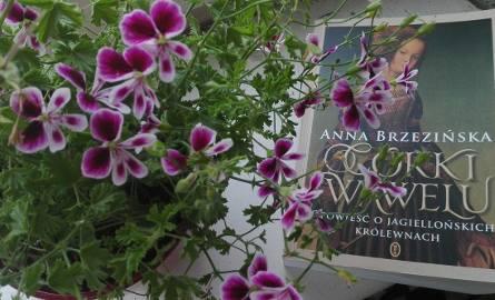 """Książka Anny Brzezińskiej """"Córki Wawelu. Opowieść o jagiellońskich królewnach"""". ukaże się nakładem Wydawnictwa Literackiego"""