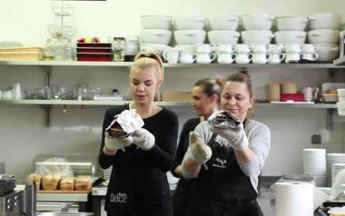 """W restauracji Rybi Puzon pojawiłam się wraz z ekipą wideo w ramach kolejnego odcinka """"Co ja robię tu?"""". Choć głównym założeniem miało"""