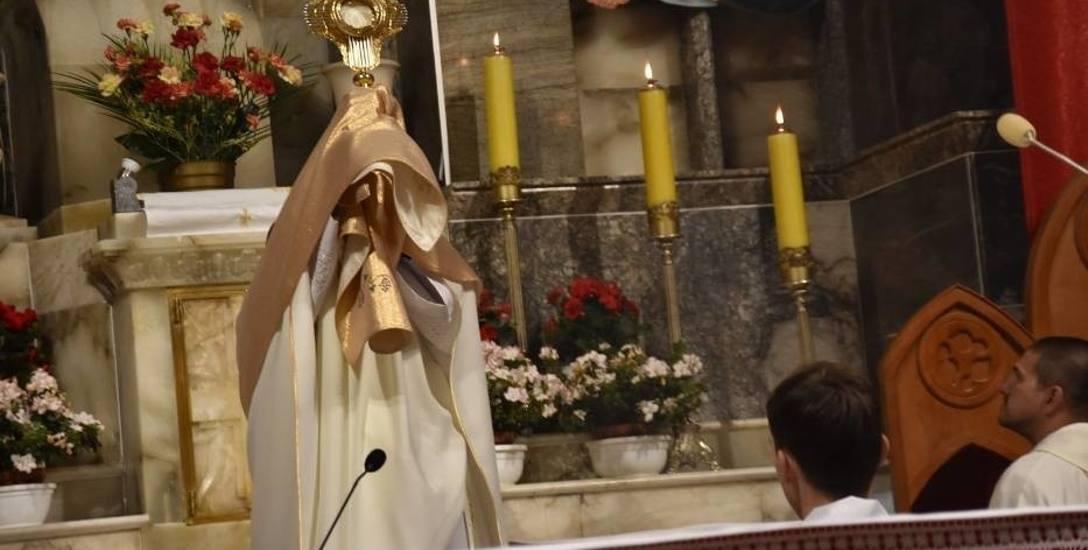 Księża przechodzą na emeryturę wieku 75 lat