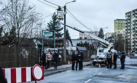 10 grudnia o godz. 7.00, tak, jak zapowiadano, rozpoczęła się eksmisja Tartaku Bydgoszcz i rodziny Pietrzaków. Firma skutecznie blokowała rozbudowę Trasy
