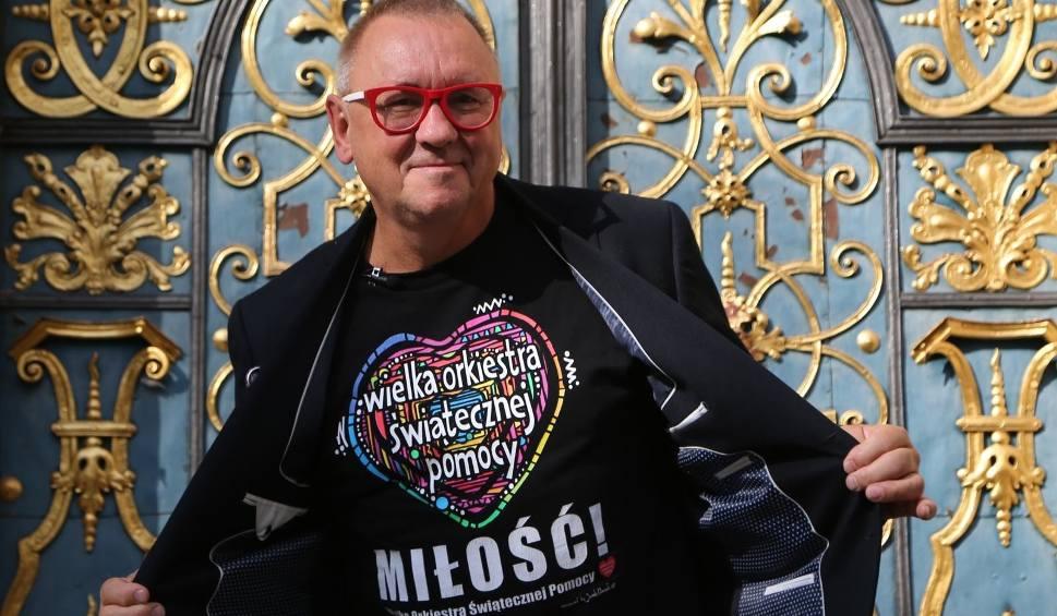 Film do artykułu: Jerzy Owsiak - ile zarabia? Ujawnił to na Facebooku, pozostanie też prezesem WOŚP!