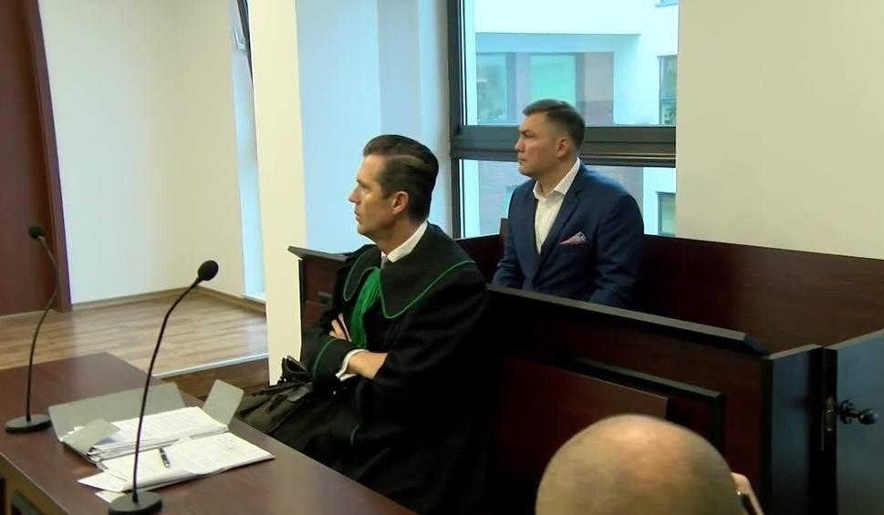 Film do artykułu: INFO Z POLSKI: Dariusz Michalczewski stanął przed sądem. Jest oskarżony o pobicie żony