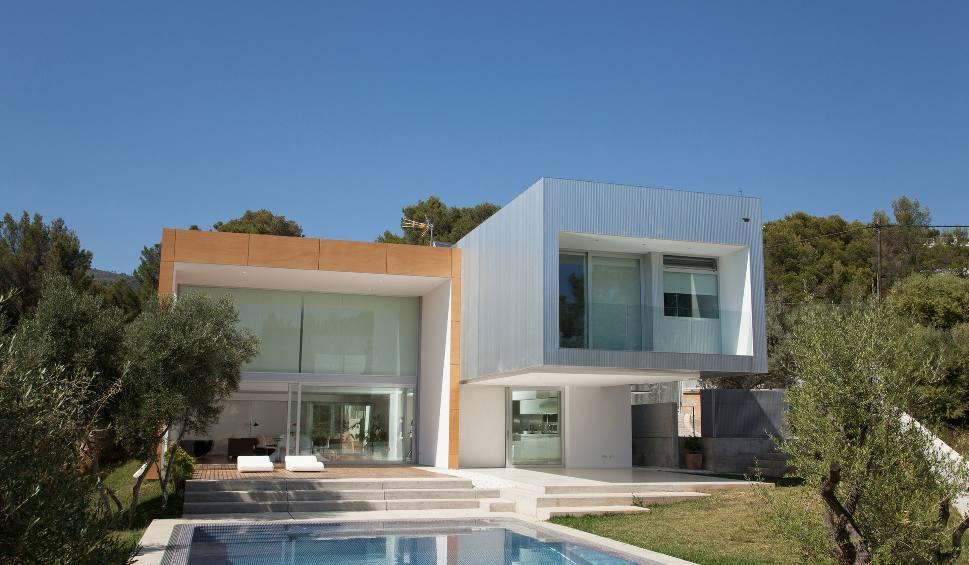 Film do artykułu: Gotowe domy z AliExpress za 60 tys. zł? Zobacz te projekty! Docierają z Chin nawet w kilkanaście dni. Zobacz najtańsze domy modułowe