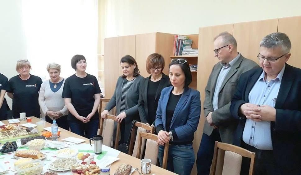 Film do artykułu: Wielkie Dni. WielkaNoc. Razem. Strajkowe święta w I Liceum Ogólnokształcącym w Starachowicach