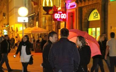 Wrocław wygrał z klubami Cocomo. Koniec różowych parasolek na Rynku
