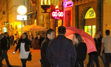 Wrocław wygrał z Cocomo. Koniec różowych parasolek na Rynku