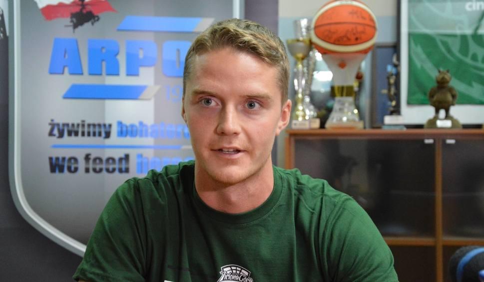 Film do artykułu: Szwed z koszykarskiej rodziny o Stelmecie usłyszał w Barcelonie