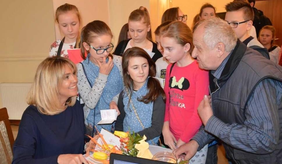 Film do artykułu: Ewa Wachowicz w Mircu. Mówiła o gotowaniu, podróżach i Miss Polski