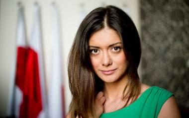 Miriam Shaded to działaczka społeczna, która w 2014 roku założyła Fundację Estera, zajmującą się pomocą chrześcijańskim rodzinom w Syrii. W 2015 roku