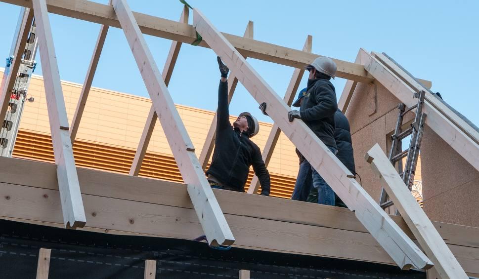 Film do artykułu: Budowa domu na placu w Millenium Hall [ZDJĘCIA, WIDEO]