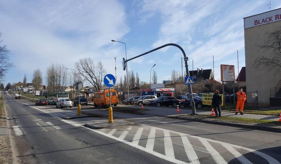 Film do artykułu: Ciężarówka uszkodziła znak na obwodnicy Szczecinka