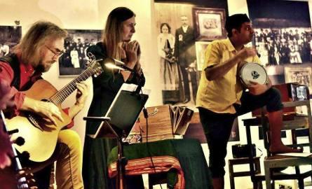 W sobotę na Dziedzińcu Szkoły Baletowej usłyszymy Waldemara Rychłego, Elżbietę Rojek  i Mandara  Purandare
