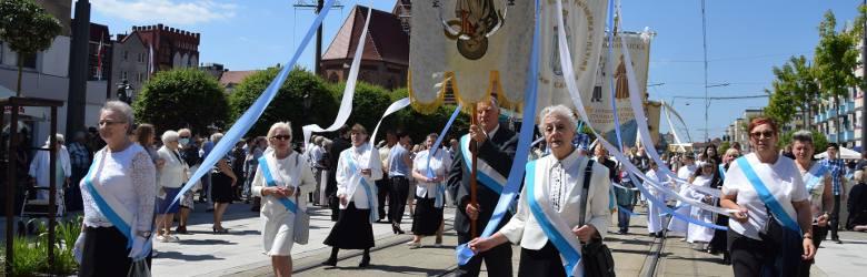 Główna procesja w Gorzowie przeszła ze Starego Rynku do kościoła Podwyższenia Krzyża przy ul. Warszawskiej.