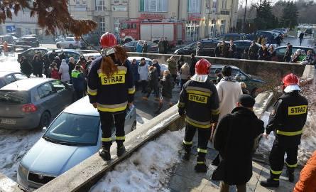 Ponad stu urzędników i co najmniej kilkunastu interesantów ewakuowano z powodu gazuCZYTAJ WIĘCEJ