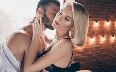27 proc. ankietowanych zadeklarowało, że zbliżyło się do siebie w czasie pandemii, a 30 proc. – że uprawiało więcej seksu