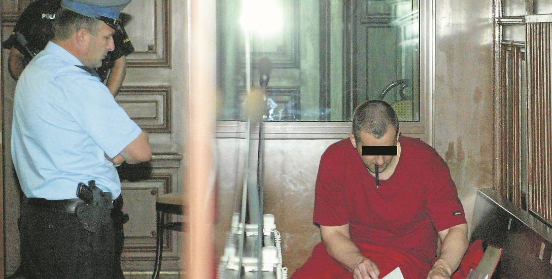Oskarżony  50-letni dziś Władysław Ch. ps. Al Capone podczas jednego z  procesów przed Sądem Okręgowym w Nowym Sączu