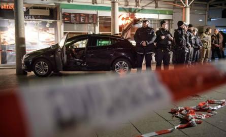 Niemcy: Mężczyzna wjechał samochodem w tłum w Heidelbergu. Jedna osoba nie żyje [ZDJĘCIA] [VIDEO]