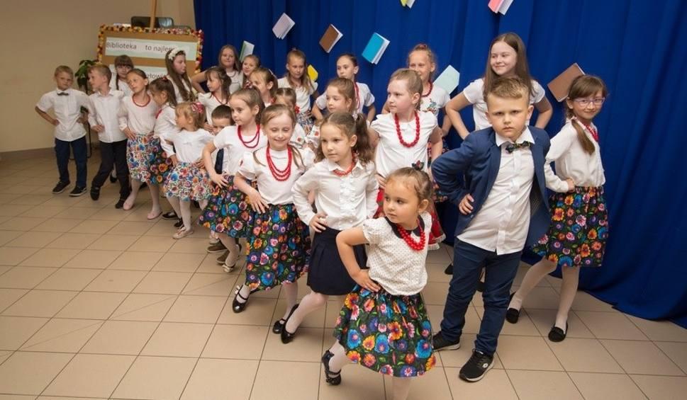 Film do artykułu: Święto bibliotekarzy i bibliotek w Mircu z okazji Tygodnia Bibliotek