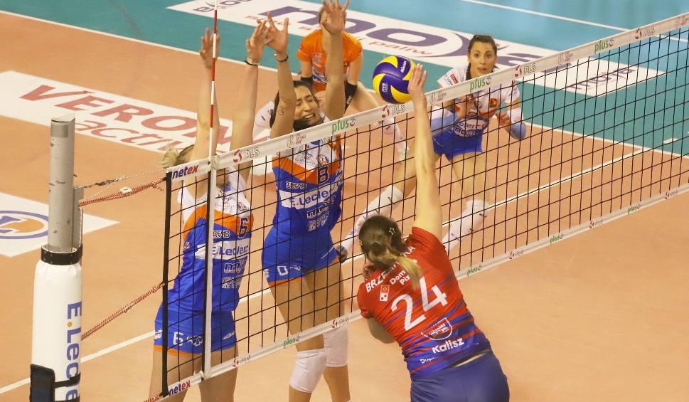 Film do artykułu: Liga Siatkówki Kobiet. E.Leclerc Radomka Radom przegrała z Energą MKS-em Kalisz i zakończyła sezon na ósmym miejscu