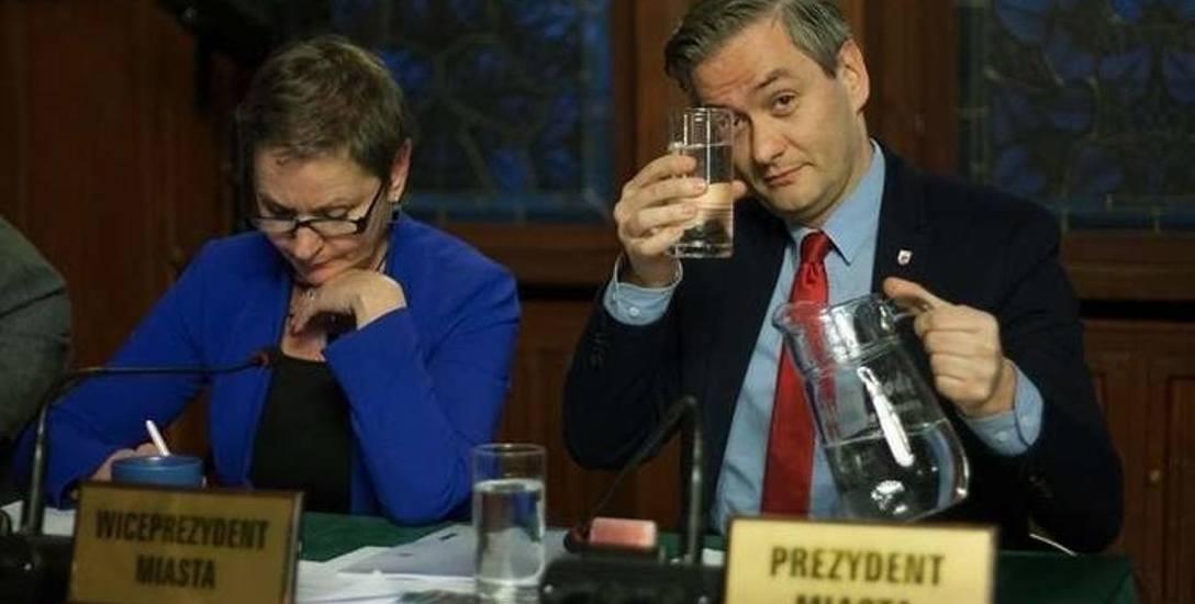 Na najbliższej sesji radni nie zajmą się wodami opadowymi. W zamian będą ustanawiać nowe obwody wyborcze