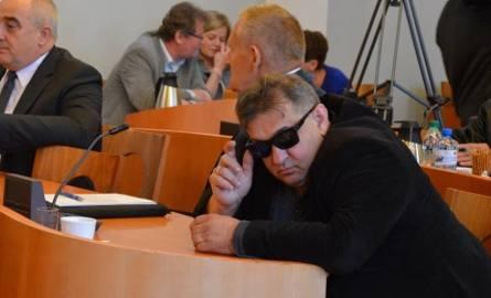 """Radny PiS z Bełchatowa, Ryszard Ciągło, pijany? """"Przyjął leki w połączeniu ze stresem"""""""
