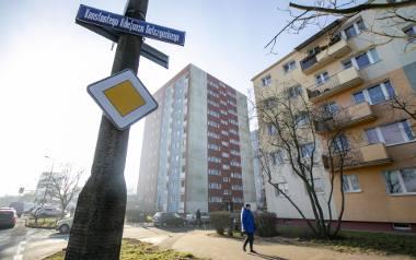 Sąsiedzki koszmar rozgrywał się miesiącami na Błoniu przy ul. Gałczyńskiego .Groźba podpalenia dała możliwość skutecznego działania