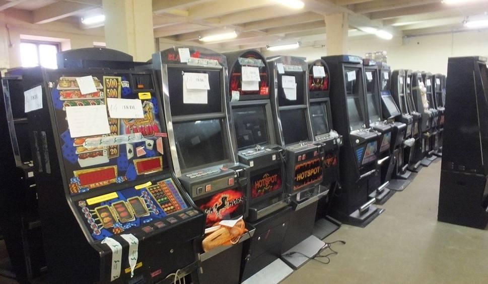 Film do artykułu: Lubelskie. Setki zatrzymanych automatów. Nielegalny hazard na celowniku skarbówki