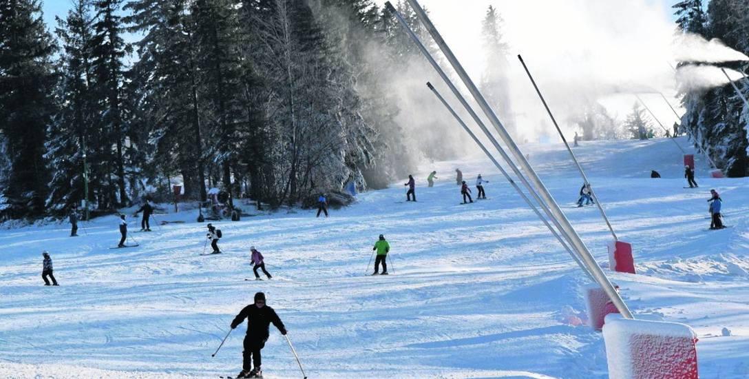 Szczyrk zasypany śniegiem i turystami. Czas na ferie - górale są gotowi na przyjęcie turystów