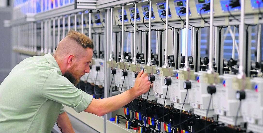 W zakładzie Apatora w podtoruńskim Ostaszewie powstają nowoczesne liczniki energii elektrycznej
