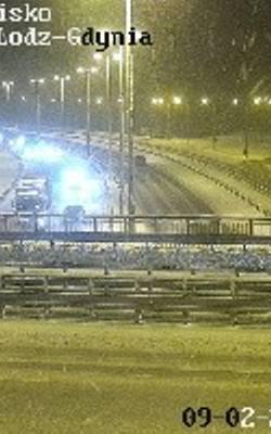 Uwaga na drogach w Trójmieście! Zamknięte były wjazdy na Obwodnicę, zablokowana jezdnia. Atak zimy w regionie. Raport z 9.02.2021 roku