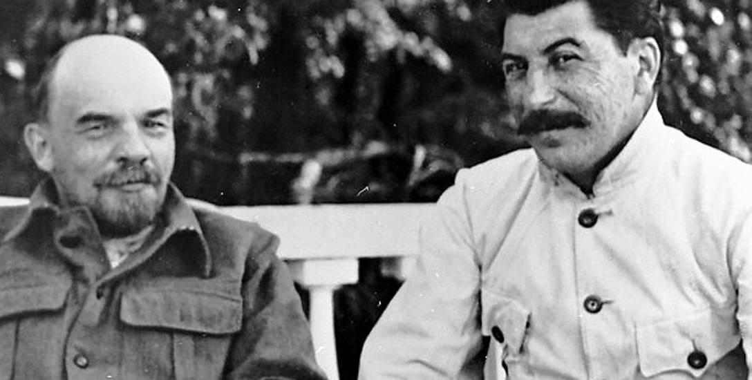 Lenin i Stalin spotkali się po raz pierwszy w 1905 r. Od początku pierwszy był dla drugiego bohaterem, którego podziwiał